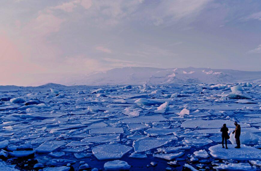 Skąd wziął się mikroplastik w Arktyce?