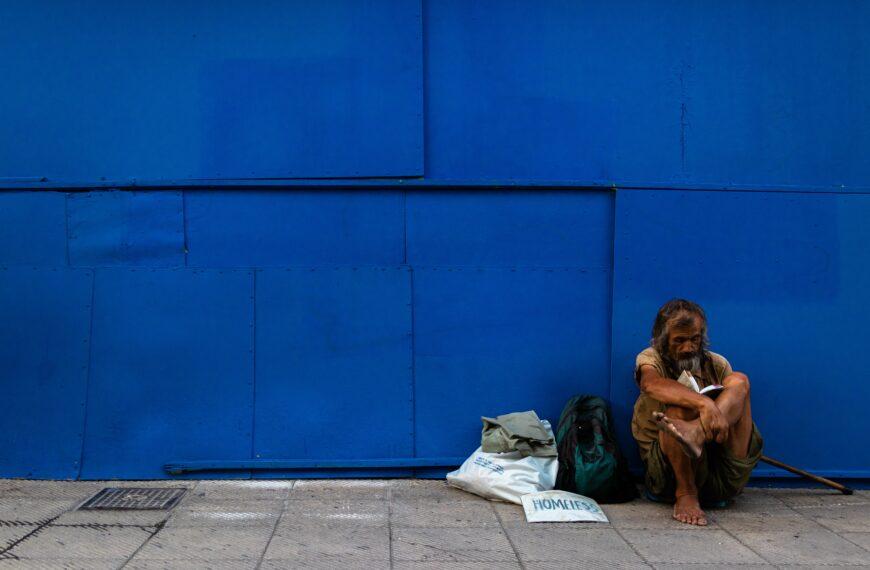 Oficjalne statystyki z Anglii i Walii pokazują, w jakim stopniu ubóstwo stoi za rekordowymi zgonami z powodu narkotyków